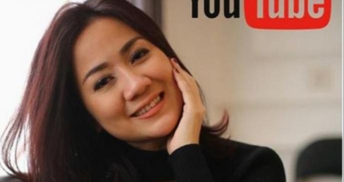 Tante si 'Pemersatu Bangsa' Bikin Channel Youtube, Jangan Lupa Like, Comment, Share dan Subscribe