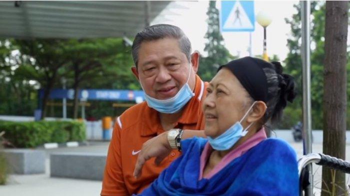 Ani Yudhoyono Istri Sempurna dan Cahaya Keluarga