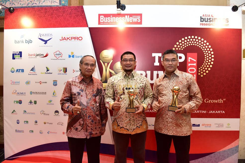 Gubernur Riau untuk Kedua Kalinya Dianugerahi TOP Pembina BUMD