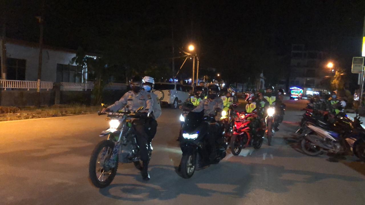 20 Personik TNI Polri Gelar Apel Gabungan dan Patroli di Kota Tembilahan, Ini Tujuannya