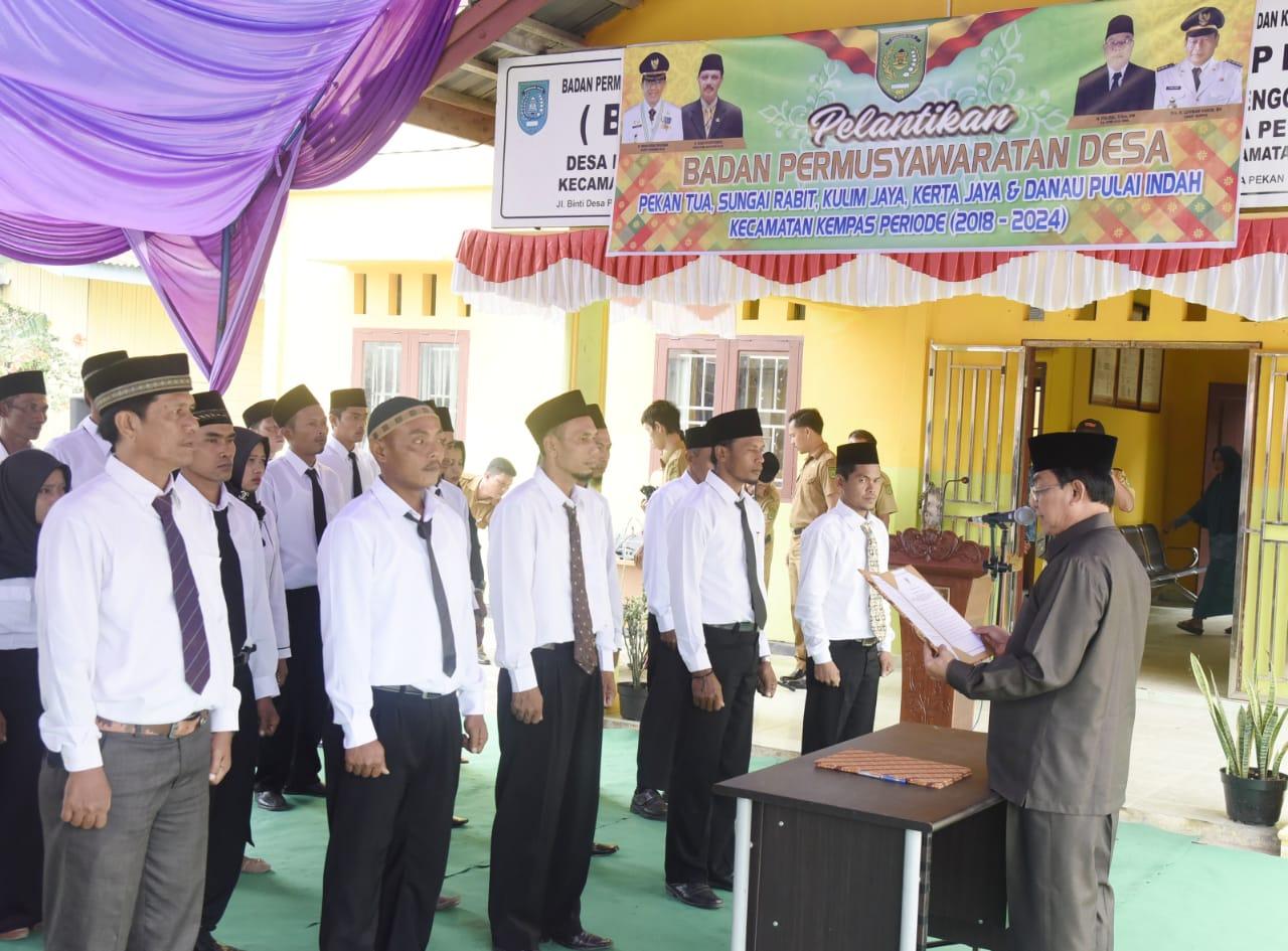 HM Wardan Lantik Lima BPD Kecamatan Kempas Serentak