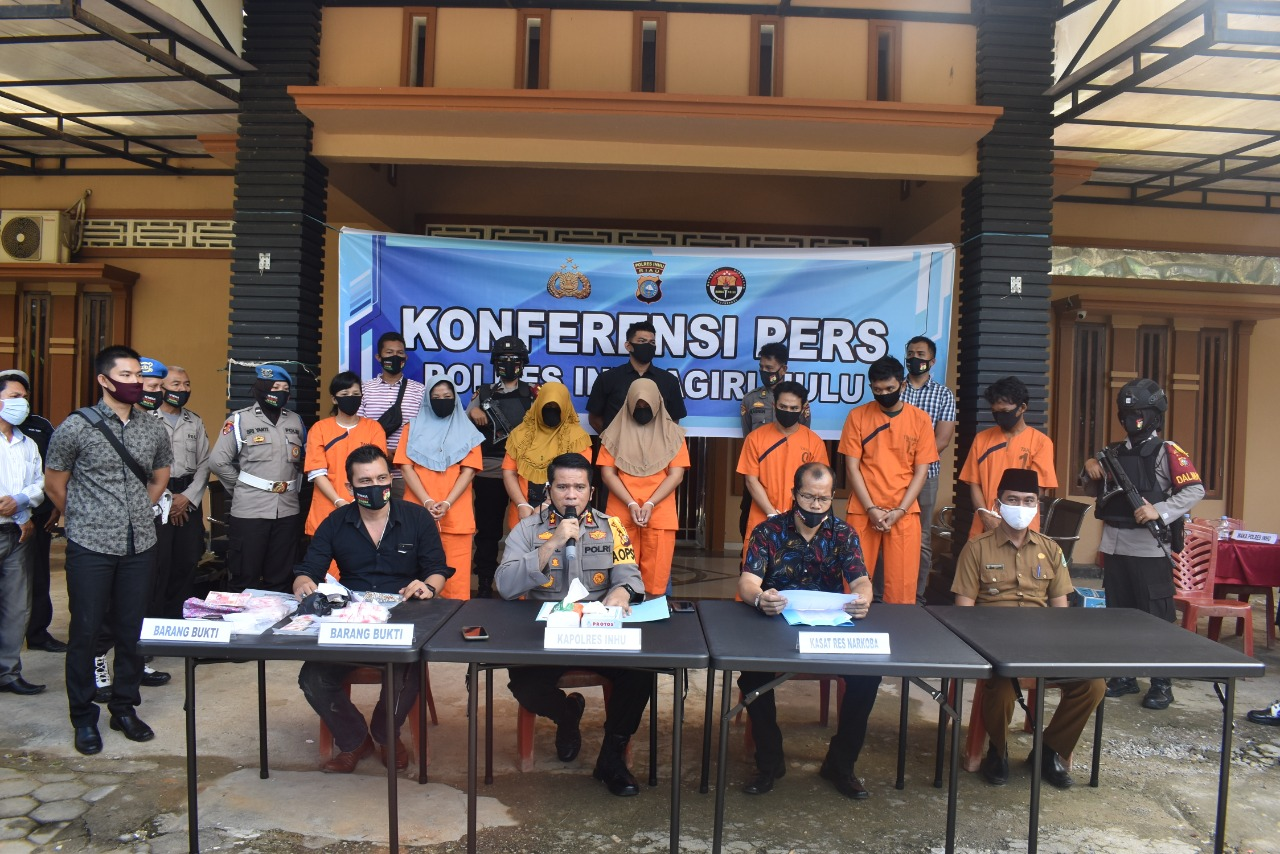 Puluhan Tahun Bisnis Narkoba, Satu Keluarga di Inhu Diamankan Polisi