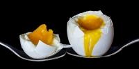 Manfaat dan Bahaya Telur Setengah Matang Yang Perlu Kamu Ketahui