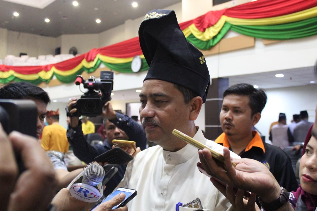 Sekda Riau Ajak CJH Tidak Berpencar di Mekkah