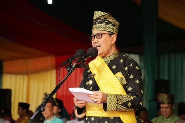 Syamsuar Sebut Bukan Hanya Asap Jadi Kado HUT Riau ke-62, Tapi...