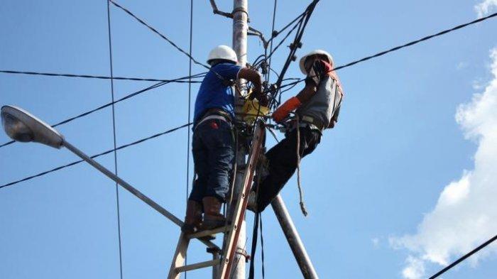 Warga Pekanbaru Takut ada Getaran dan Cahaya Merah Melintas di Jaringan Kabel PLN