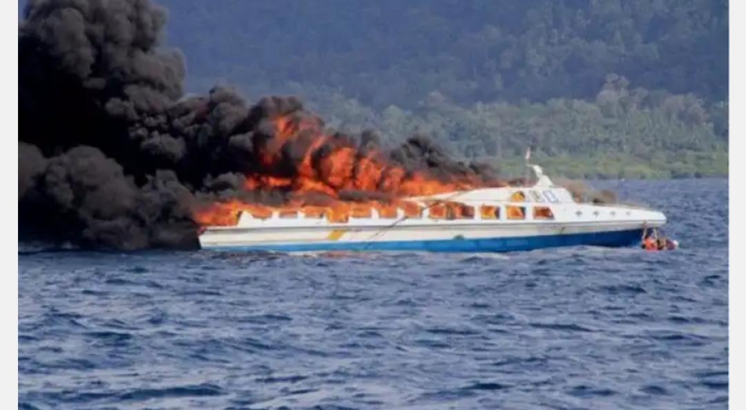 Speed Boad Tujuan Pulau Kijang – Tanjung Pinang Terbakar