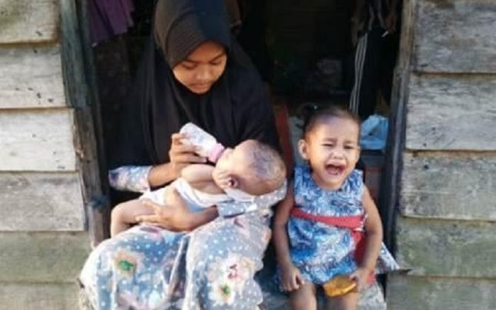 Ayah Pergi, Ibu Meninggal, Andini Gadis Belia di Pelalawan Ini Berhenti Sekolah Demi Menjaga Dua Adiknya