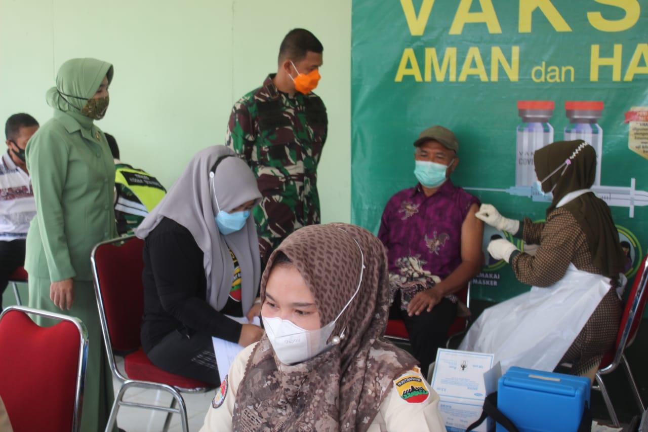 Keluarga Besar Kodim 0314 dan Purnawirawan TNI AD Divaksin