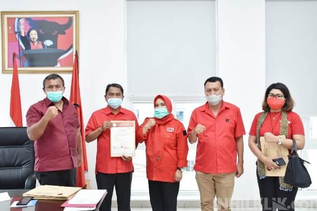 Sah,! DPP PDIP Serahkan Dukungan B1 KWK Kepada Darma Wijaya-Adlin Tambunan
