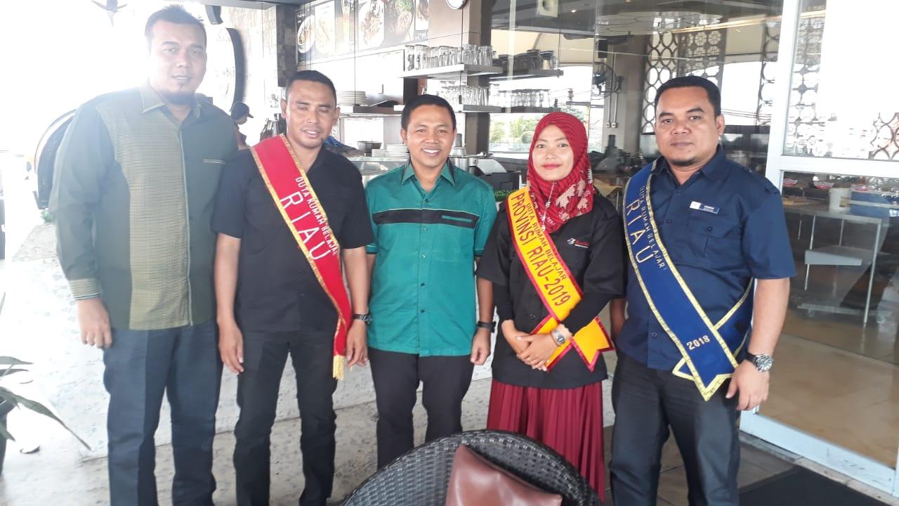 Merasa Tak Didukung Disdik, Duta Rumah Belajar PUSTEKKOM Riau Temui Anggota DPRD RI Abdul Wahid