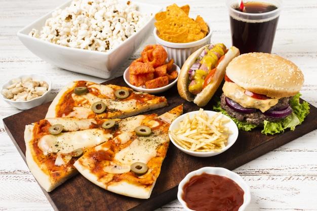 Kenali Ragam Makanan Yang Harus Dihindari Penderita Covid-19
