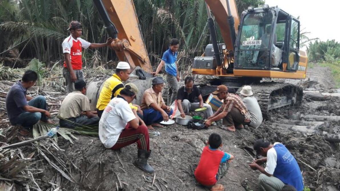 Eskavator Bantuan Untuk Kecamatan GAS Telah Tiba, Desa Kuala Gaung Dapat Giliran Pertama