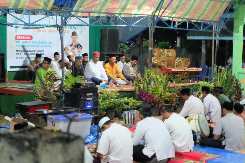 Lukman Edy Disambut Ribuan Warga Desa Kerubung Jaya Inhu