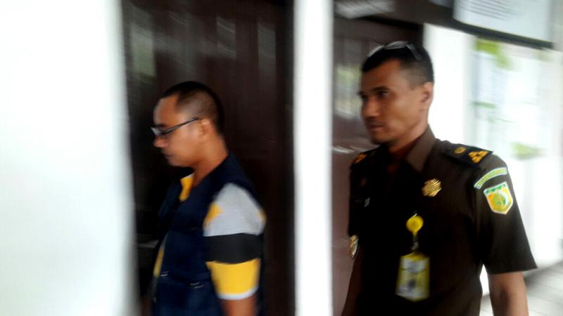 Kejari Inhil Resmi Tahan Tersangka Kasus Korupsi Jembatan Enok