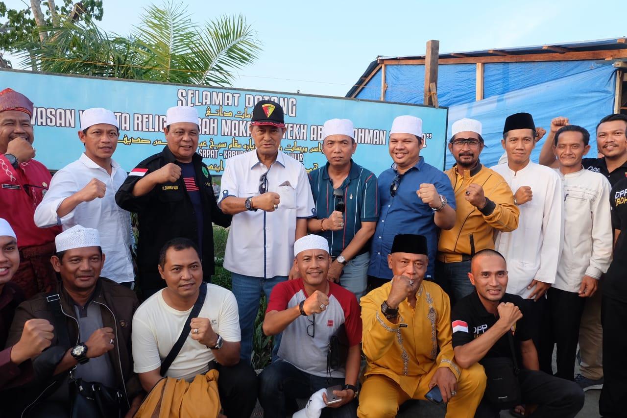 Didampingi Wabup Inhil, Gubernur Kalsel Ziarah ke Makam Syekh Abdurrahman Sidiq