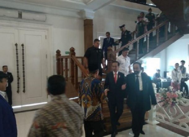 Bertemu TGB di Akademi Bela Negara Nasdem, Begini Repons Jokowi