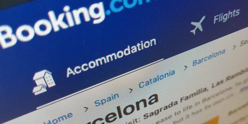 Situs Booking.com PHK Ribuan Karyawan
