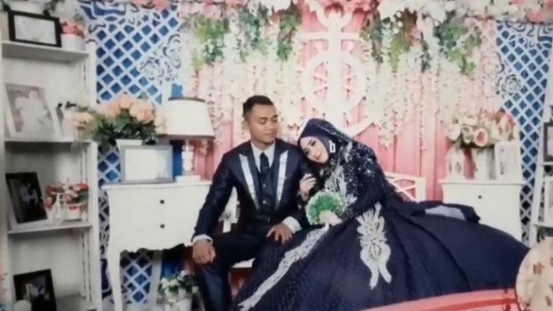 Suami Istri Tewas Terlentang di Kamar Kos, Suami Pegang Pisau, Darah Berceceran di Sprei