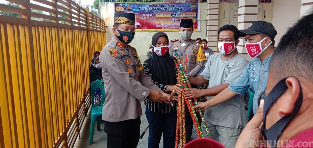 Jumat Barokah, Polres Sergai Berbagi Dengan Masyarakat Dusun III Desa Citaman Jernih