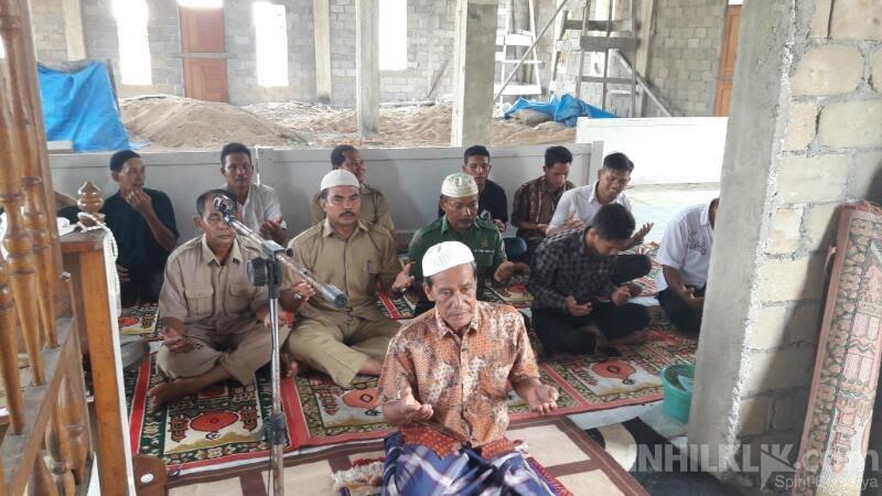 Kades Kuala Gaung, Inhil Wajibkan Seluruh Perangkat Desa Sholat Dzuhur Berjamaah