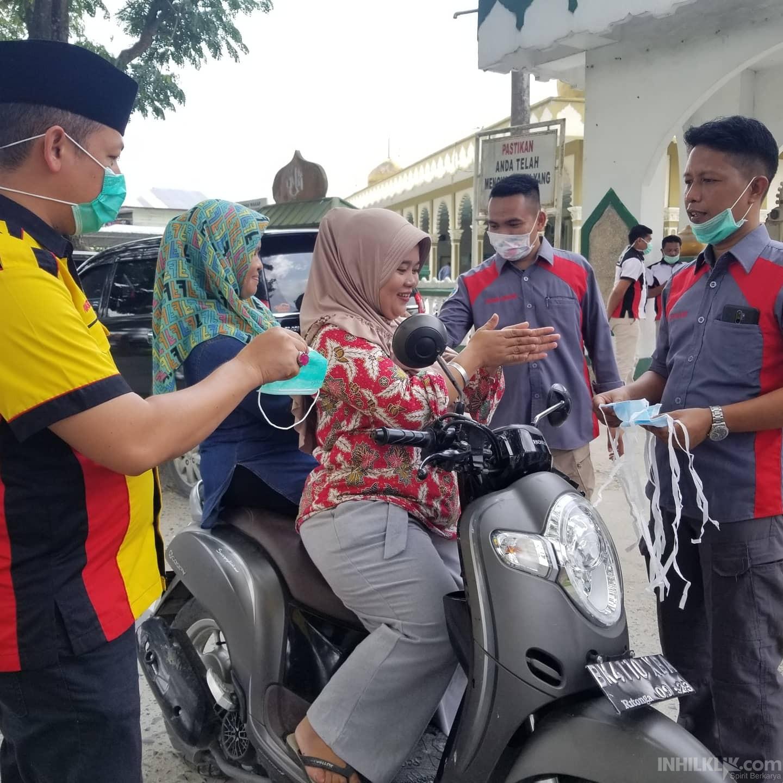 DPD IWO Sergai bersama BM3 Bagikan Masker Gratiskepada Masyarakat
