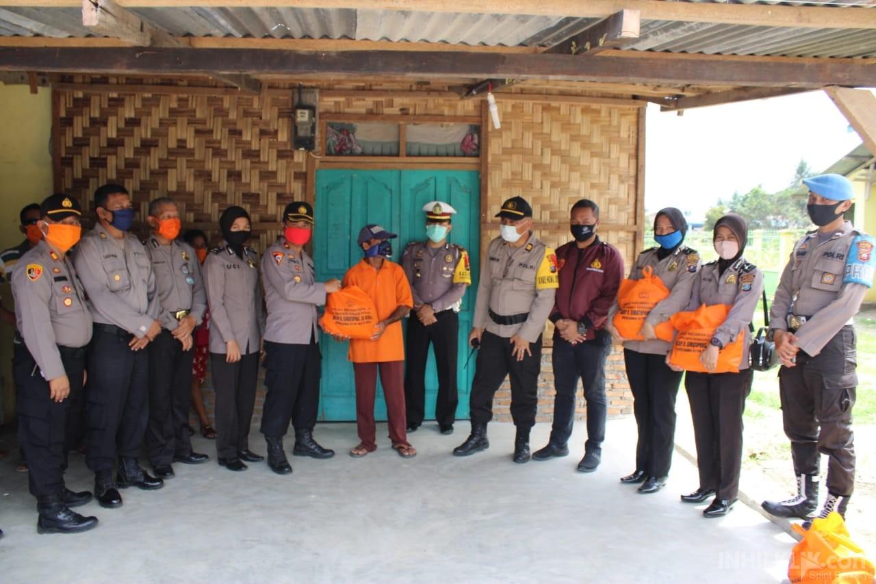 Polres Sergai Berikan 25 Paket Sembako ke Pengurus Gereja (Sintua) di Kecamatan Sei Bamban