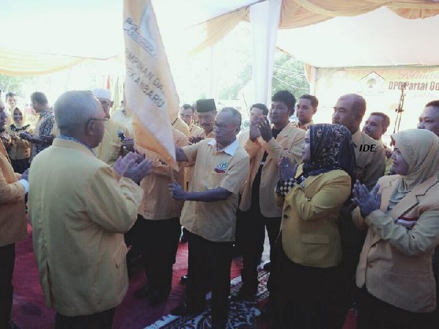 Ketua Golkar Pekanbaru Dilantik, Mantan Cawako PDIP Masuk Pengurus