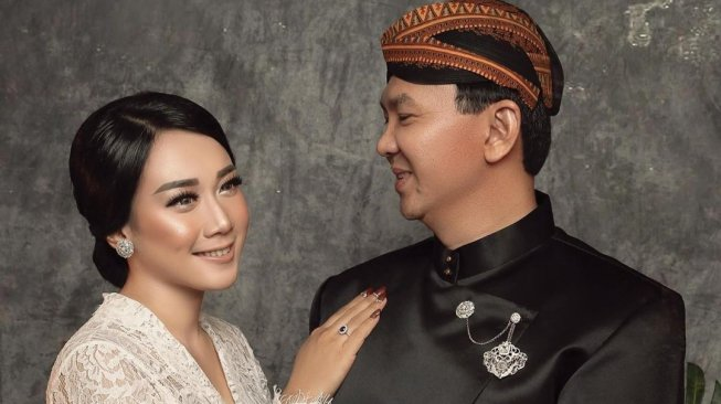 Foto Pernikahan Ahok dan Puput Akhirnya Muncul, Berbusana Pengantin Jawa