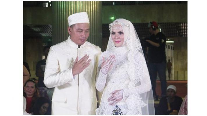 Kejanggalan Pernikahan Vicky Prasetyo dengan Angel Lelga