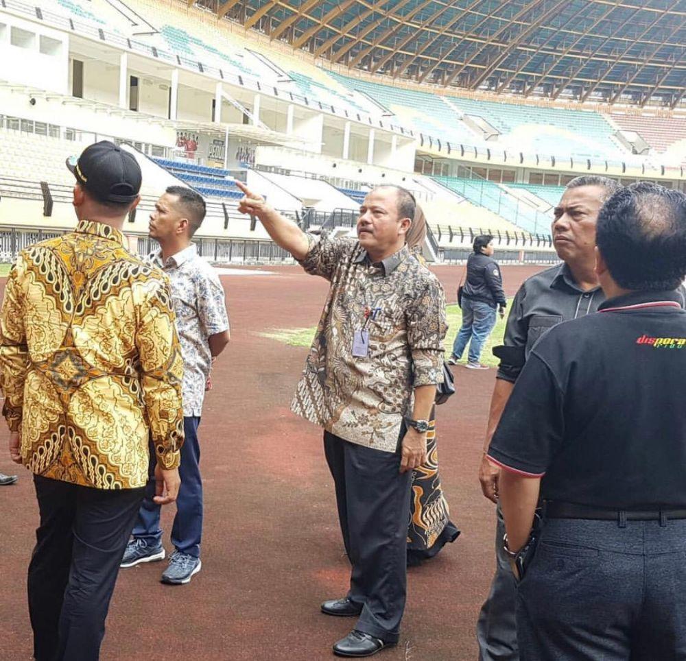 Perusahaan Diminta Bantu Perbaikan Stadion Utama Riau