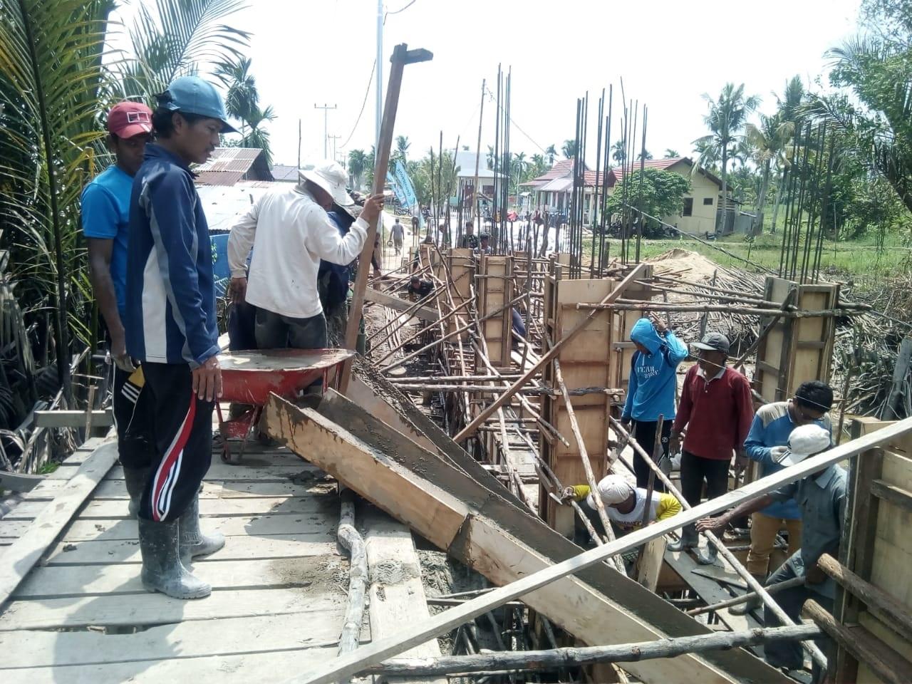 Medan Yang Berat Tak Halangi Semangat Satgas TMMD Ke-106 Percepat Pembangunan
