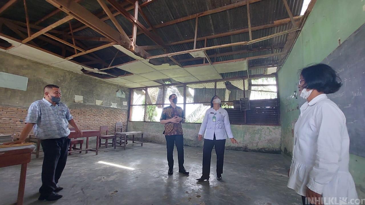 Rusak Parah, Ketua DPRD Sergai Kunjungi Dua SD Negeri di Kecamatan Sei Bamban