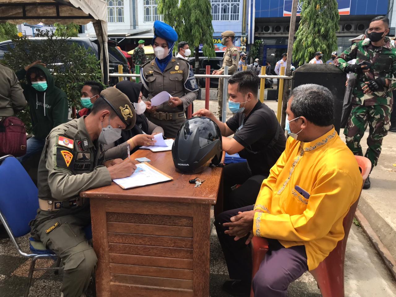Tak Pakai Masker, 12 Pelanggar Prokes Disidang di Tempat