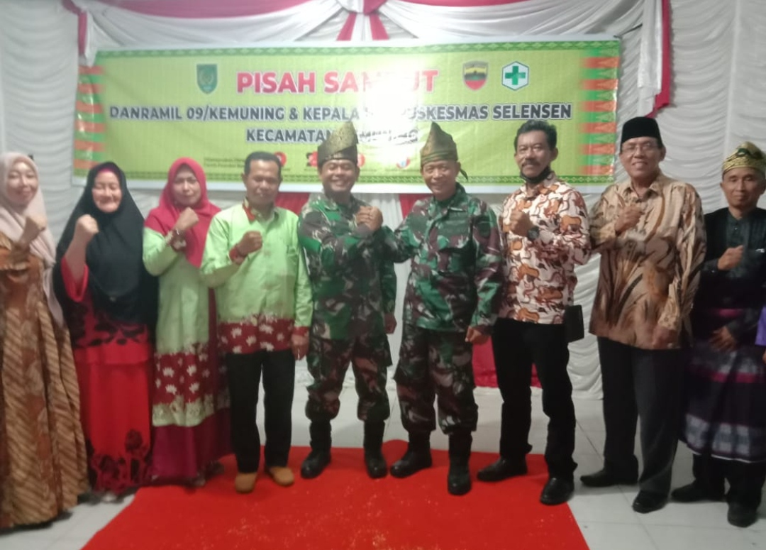 Pisah Sambut Danramil 09/Kemuning, Kapten Arh Zaenuri kepada Kapten Inf Anwarsyah