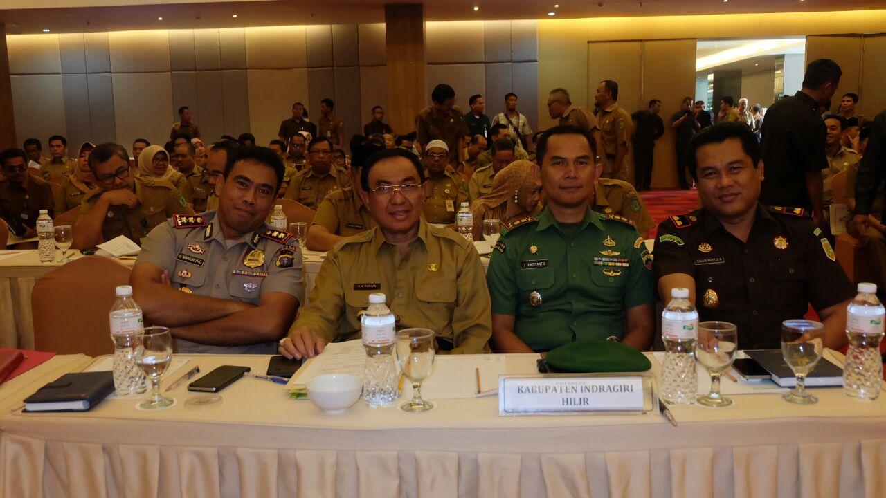 Dukung Penyelenggaraan Pilkada 2018, Bupati Inhil Hadiri Rapat Koordinasi Bupati / Walikota Se - Riau