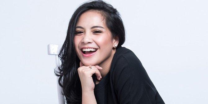 Ketika Nagita Slavina Pakai Selop Rp 8 Juta, Apa Kata Netizen?
