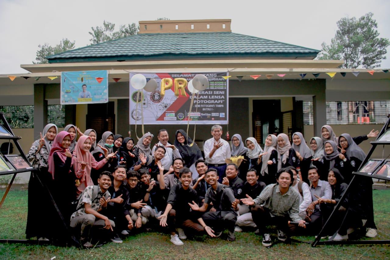 Mahasiswa Ilmu Komunikasi UIN Suska Riau Gelar Pameran Foto