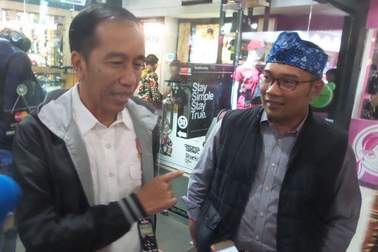 Ridwan Kamil Pilih Jaket, Jokowi yang Rogoh Kocek...