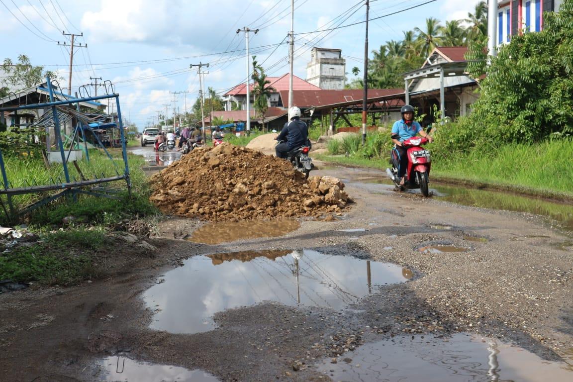 Tanggapi Keluhan Masyarakat, Dinas PU Riau Akan Segera Lakukan Perawatan Jalan Sungai Beringin