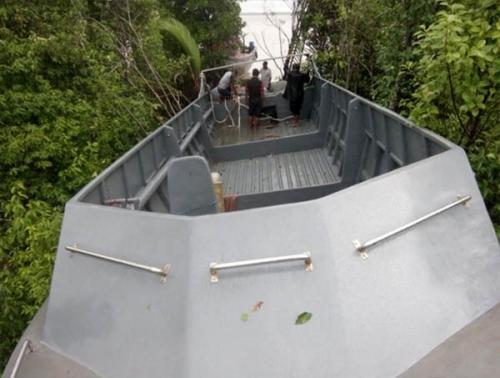 Kejar-kejaran dengan Petugas BC, Speedboat Berkecepatan 1.000 PK Terabas Hutan Bakau Tanjungsamak