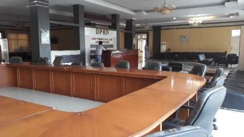Rapat APBD Perubahan Pelalawan Dibubarkan Lantas Dipindah, Ini Penyebabnya
