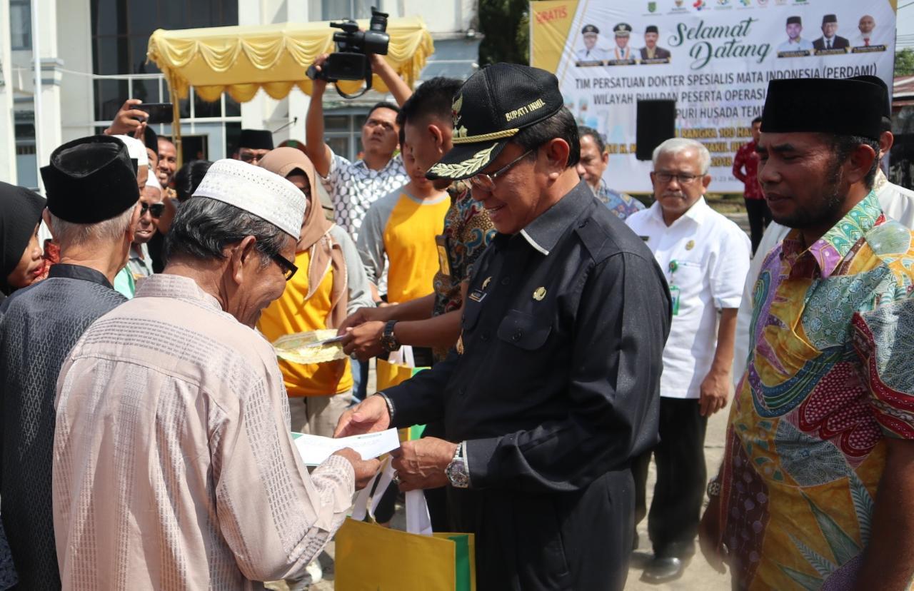 Program 100 Hari Kerja, Bupati Inhil Hadiri Pembukaan Operasi Katarak Gratis Di RSUD Puri Husada
