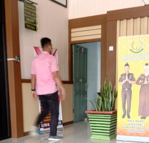 Tiga Petinggi Golkar Riau Diperiksa di Kejari Siak