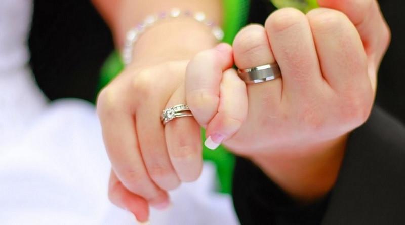Doa Agar Suami Tidak berpindah Ke Lain Hati