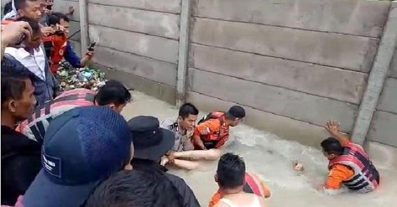 Yeni Rizki Purwati, Pengantin Baru Meninggal Dunia Terseret Banjir