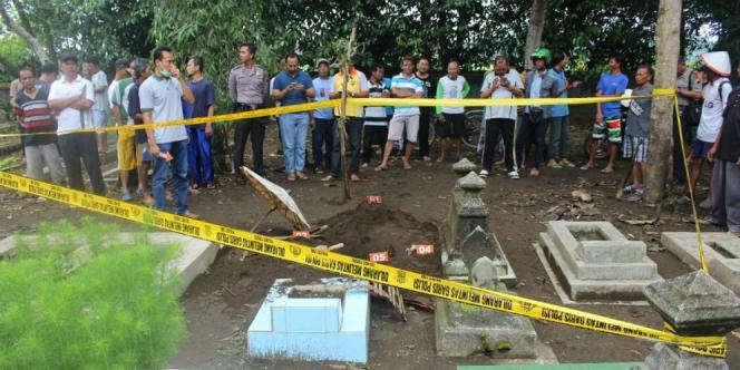 Geger Kuburan Gadis Meninggal Jumat Kliwon Mendadak Berantakan