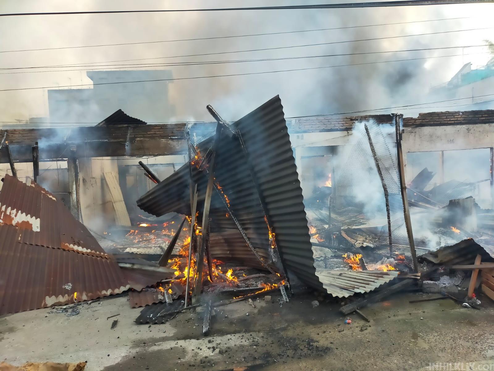 BREAKING NEWS: Pajak Lama Perbaungan Alami Kebakaran Hebat