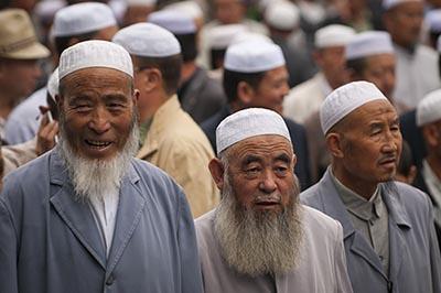 China Larang Warganya Pakai Jilbab dan Pelihara Jenggot
