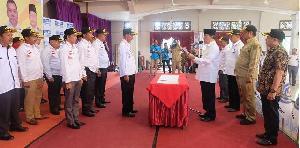 Bupati HM Wardan Kukuhkan DPC APDESI Inhil Periode 2017-2022